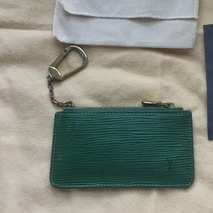 Louis Vuitton vintage auth epi green key pouch